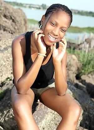 XXX African Teen Porn Pictures
