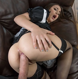XXX Teen Maid Porn Pictures